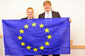 Model EU students and flag