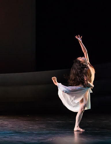 Xiaochuan Xie in Martha Graham's The Rite of Spring; Photo by Christopher Jones